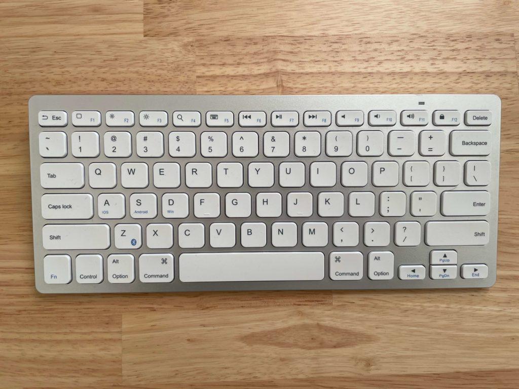 Ankerのワイヤレスキーボード